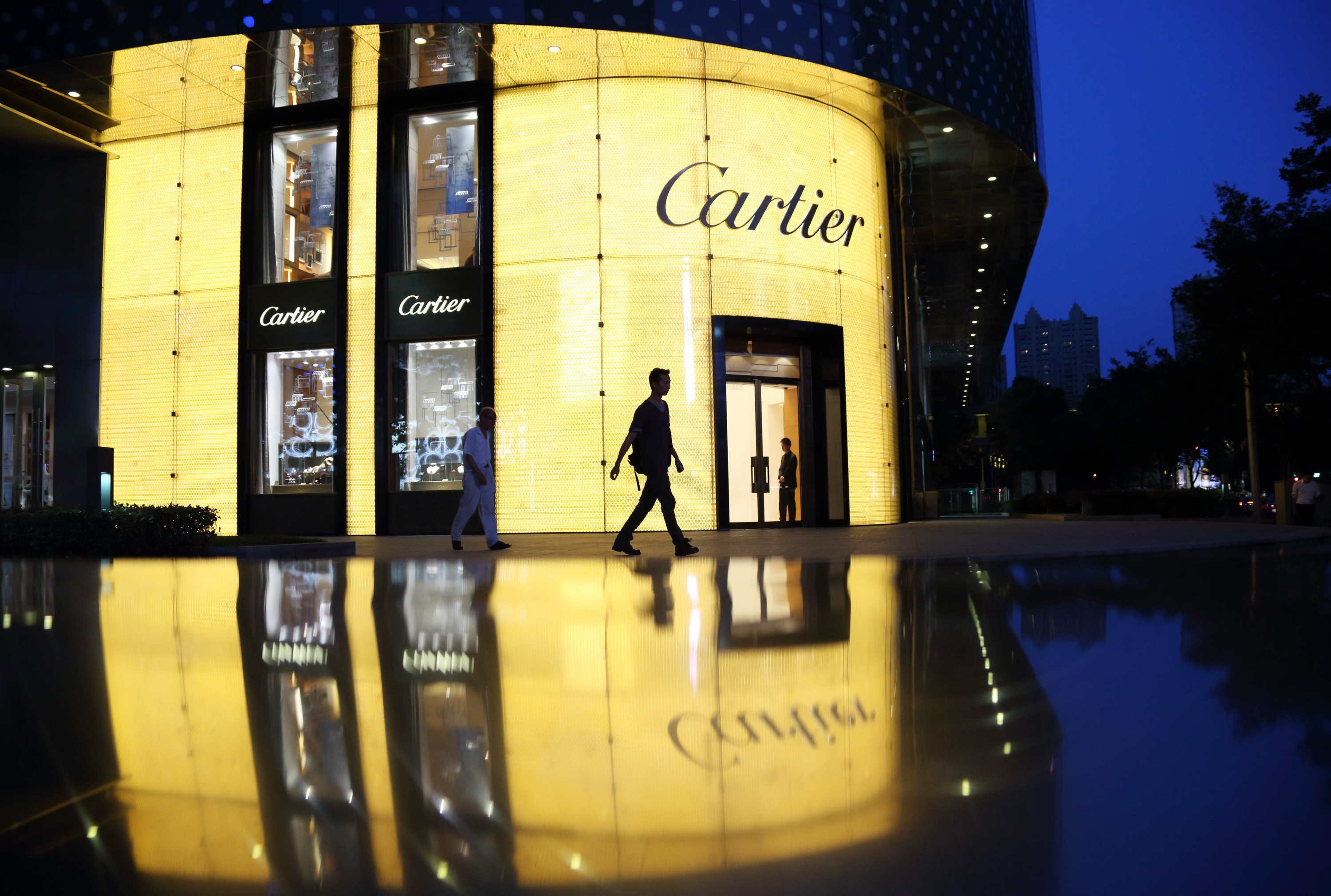 Richemont FY HEPS down 42%