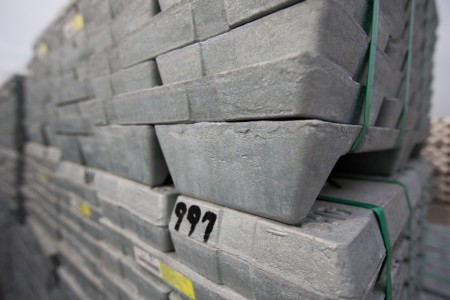 Zinc breaks through $3 000 barrier