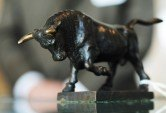 Nasdaq tops record as U.S. stocks shrug off mixed earnings, data