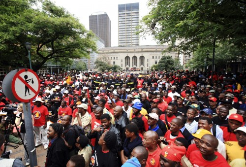 Nearly 70% of SA's public sector workers are unionised, which explains how they were able to achieve a 22% premium over private sector workers during wage negotiations. Picture: Moneyweb