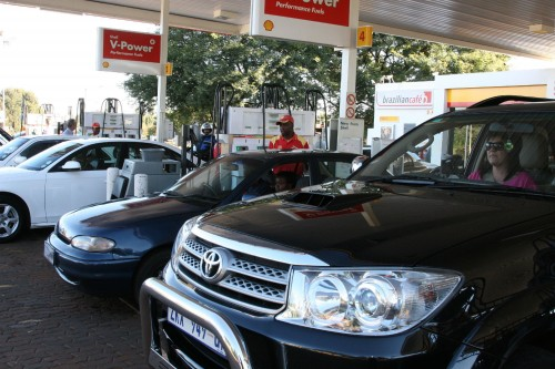 Filling up at the right petrol station for your rewards programme is a no-brainer. Absa clients, for example, will only get cash back if they refuel at Sasol service stations. Picture: Moneyweb