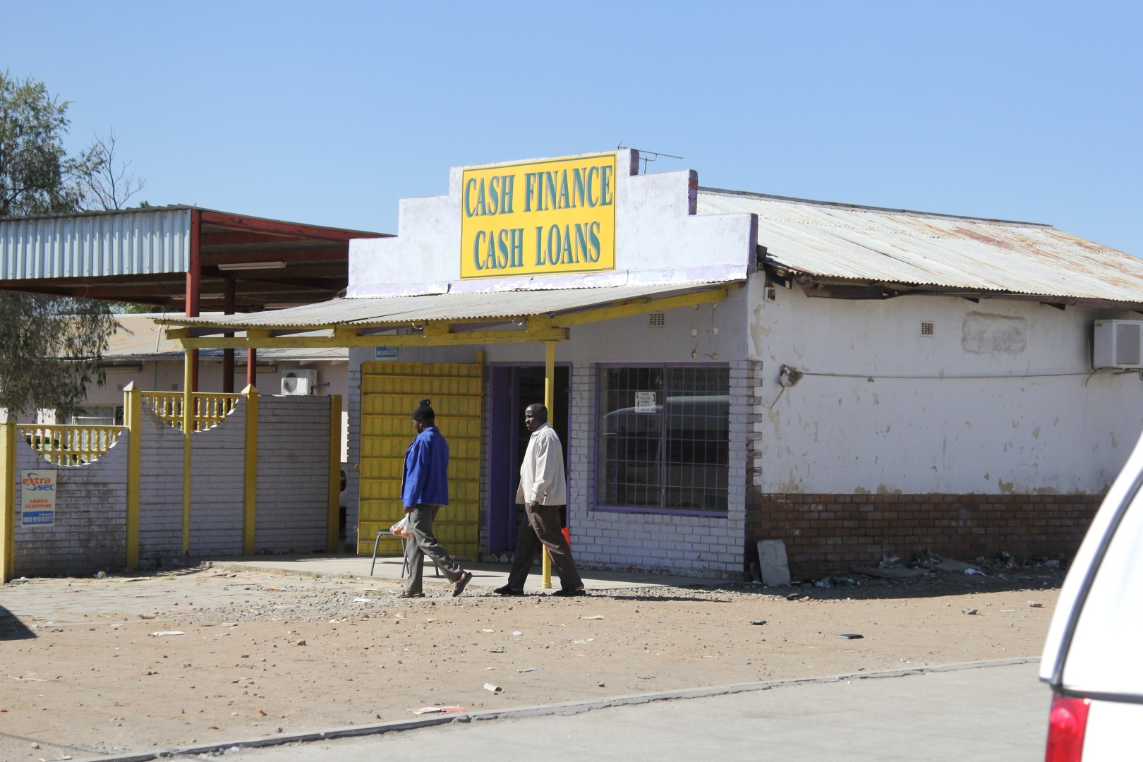 South Africa gold producers push for employees to own houses