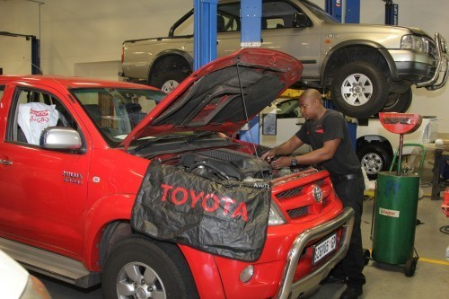 Motorists will be able to decide whether they want to use a vehicle manufacturer's service centres and parts departments or not. Picture: Moneyweb