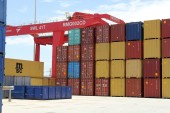China posts worst export fall since 2009