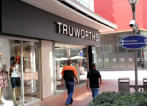 Truworths spooks market; a sign of things to come? - Moneyweb