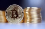 The gold and bitcoin tussle