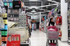 March retail sales boost economic recovery hopes