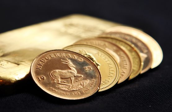 Interest in gold is rising across the globe as confidence in paper currencies declines. Image: Chris Ratcliffe, Bloomberg