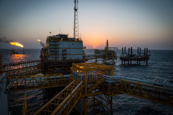 Amid the geopolitical turmoil, oil producers are grasping the opportunity to lock in prices for future production. Image: Ali Mohammadi, Bloomberg