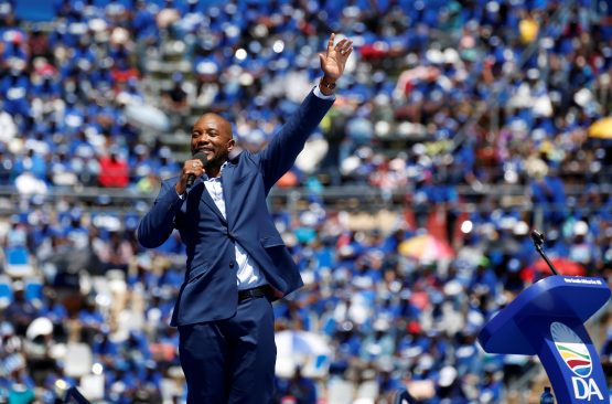 The return of Helen Zille and troubles within the party puts DA leader Mmusi Maimane's job on the line. Image: Siphiwe Sibeko, Reuters