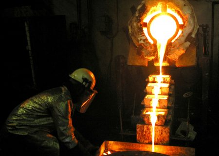 Commodity price boom lifts Anglo's earnings