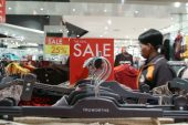 South African retailers turn from China to source local clothes