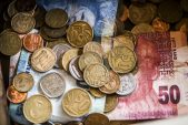 Rand on back foot against dollar, technical support seen