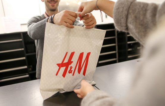 H&M took a stand in China, and almost immediately vanished from app stores and e-commerce sites – and its shops were removed from maps used by taxis. Image: Chris Ratcliffe, Bloomberg