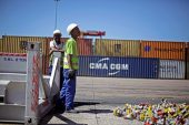 PE port strike hampers vehicle and citrus exports