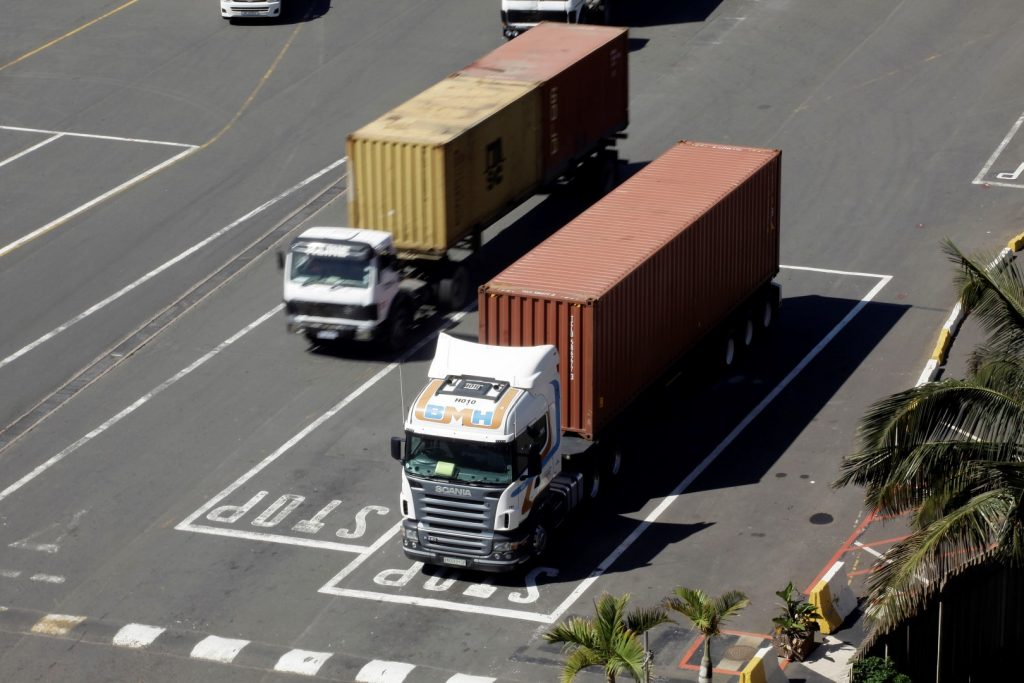 Trucking protests re-emerge ahead of the elections