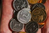 Rand slips on Turkey concerns, dollar strength