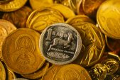 Rand gains on yield hunt, US stimulus hopes