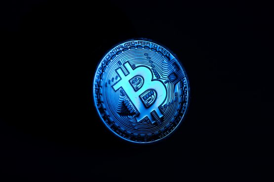 Longer term holders of bitcoin tend to be less spooked by these sharp drops in price. Image: Chris Ratcliff, Bloomberg