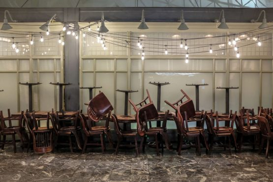 Peaceful protest by a desperate sector … tables and chairs will be used to block roads outside eateries on Wednesday between 12:00 and 14:00 in a plea to government to ease its lockdown restrictions. Image: Alex Wroblewski, Bloomberg