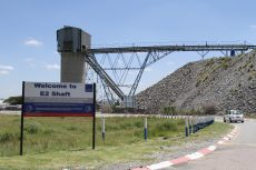 South African mines record 320 Covid-19 cases