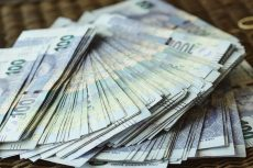 What could a South African do with R500k in a money market account?