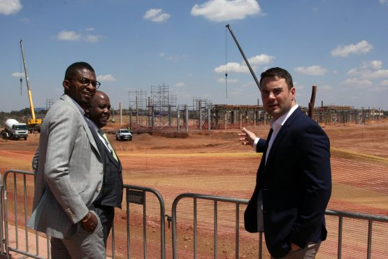 Pictured at the site on Thursday – (from left): Atterbury Property Fund chair Tebogo Mogashoa, Tshwane Mayor Stevens Mokgalapa and Atterbury development manager Raoul de Villiers. Image: Moneyweb
