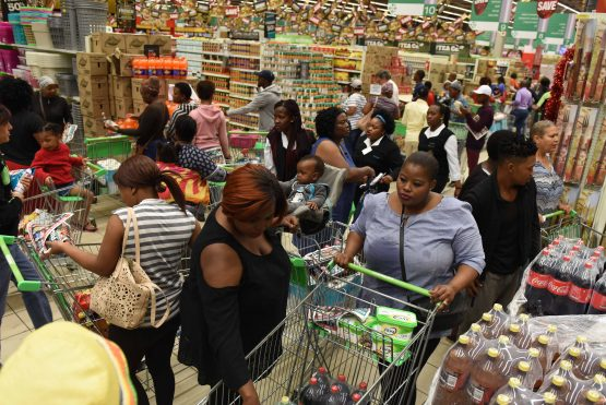 Customers at Checkers Hyper in Meadowdale, Edenvale take advantage of Black Friday savings, 24 November 2017  Image: The Citizen