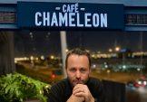 Café Chameleon veg voort teen Gaurdrisk