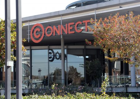 Vodacom in talks to take subscribers from struggling Cell C