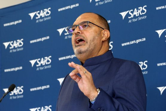 Edward Kieswetter says there can be no excuse for poor treatment of taxpayers. Picture: Moneyweb