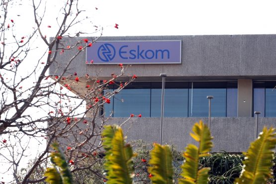 The government unveils the first leg of plans to rescue Eskom, but more details are expected on Wednesday, when Finance Minister Tito Mboweni delivers his mid-term budget speech. Image: Moneyweb