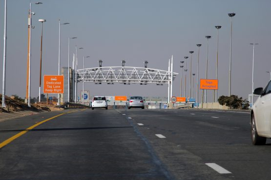 Gauteng motorists and Sanral are still waiting for a long-promised cabinet decision on the future of e-tolls. Image: Moneyweb