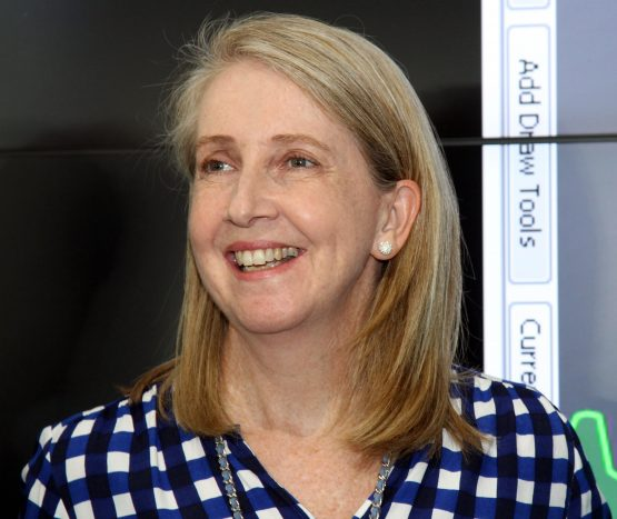 Helena Conradie says the idea that an investor could have both passive and active investments in their portfolio was a tipping point. Image: Moneyweb