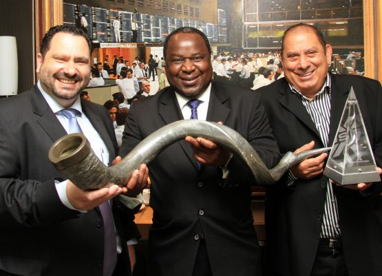Pictured at Accelerate's listing on the JSE – (from left): CEO Michael Georgiou, former chair Tito Mboweni, and Nic Georgiou. Image: Supplied