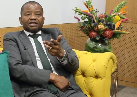 Ex-CEO Peter Moyo to take Old Mutual to court – statement