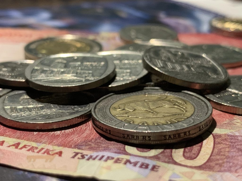 Rand edges higher in subdued trade