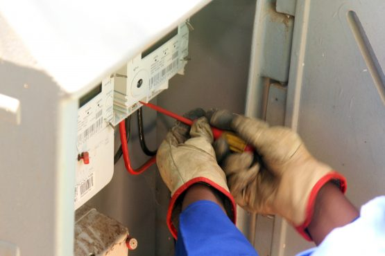 Prepaid electricity meters installed in terms of an unlawful and invalid contract costing the City of Tshwane millions each day are being replaced with new meters. Image: Moneyweb