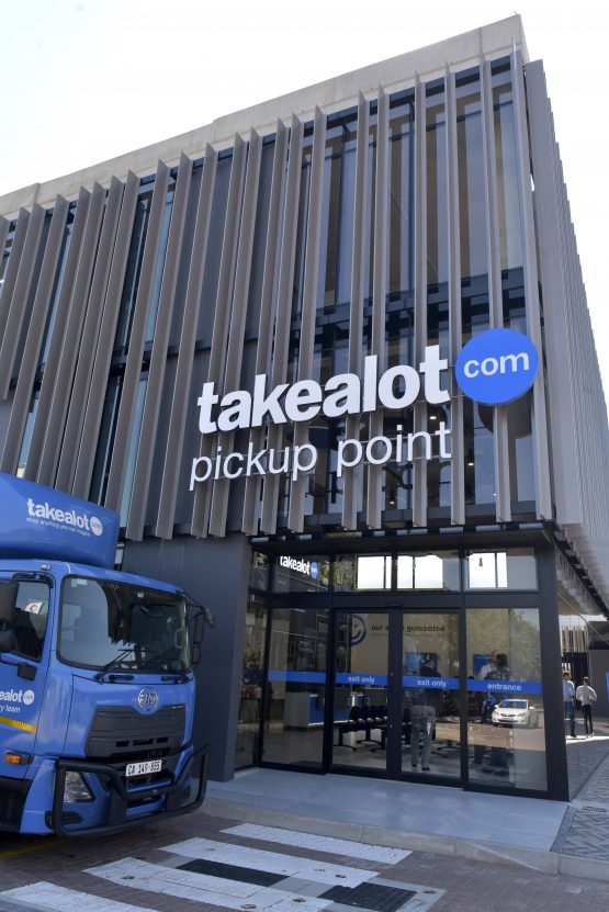 Takealot is on point in giving customers the option of being able to collect and return parcels at their convenience. The pickup point on the bridge over the N1 highway in Midrand, for example, is accessible from both sides of the highway and open from 6am to 8pm. Picture: Neil McCartney