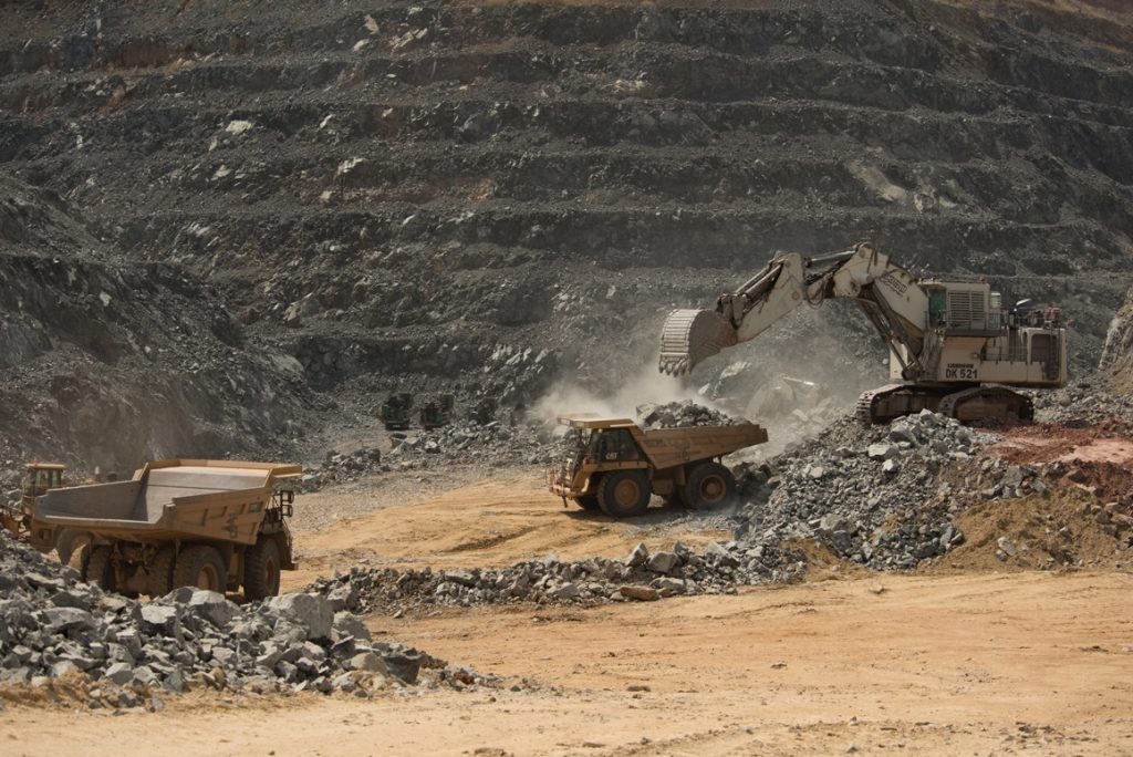Tharisa has right to all of $4.2bn Zimbabwe platinum mine