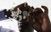 De Beers diamond sales falter as small stones struggle to sell