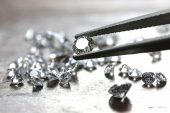 De Beers diamond sales jump after a terrible year for gems