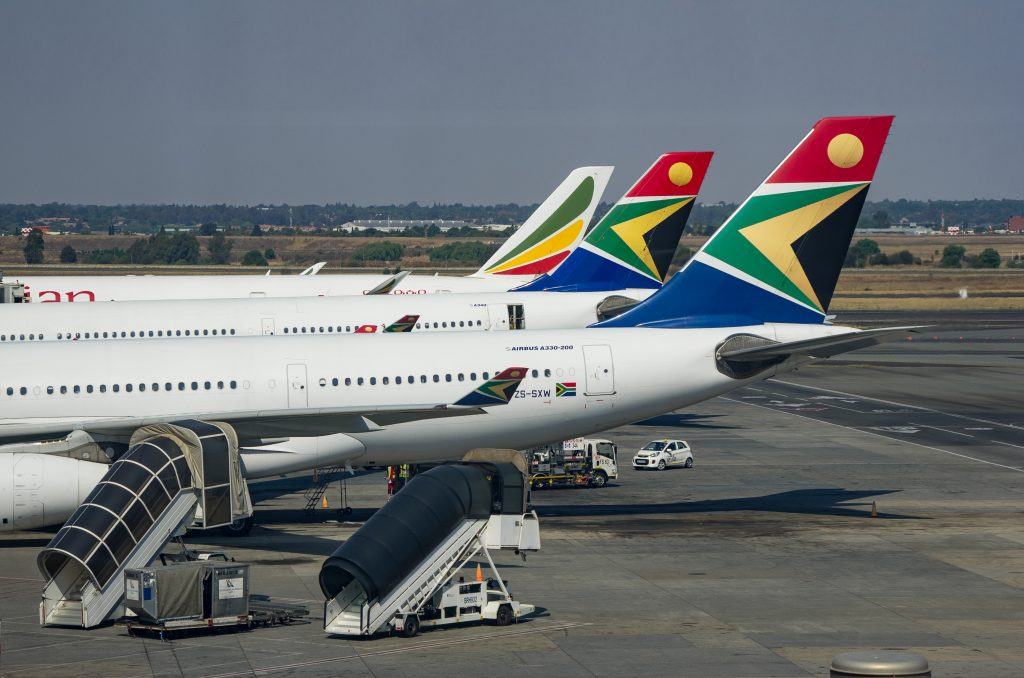 Government, unions agree to retain 1 000 more employees in new SAA