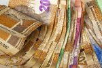 Rand breaks through critical R14/$ level