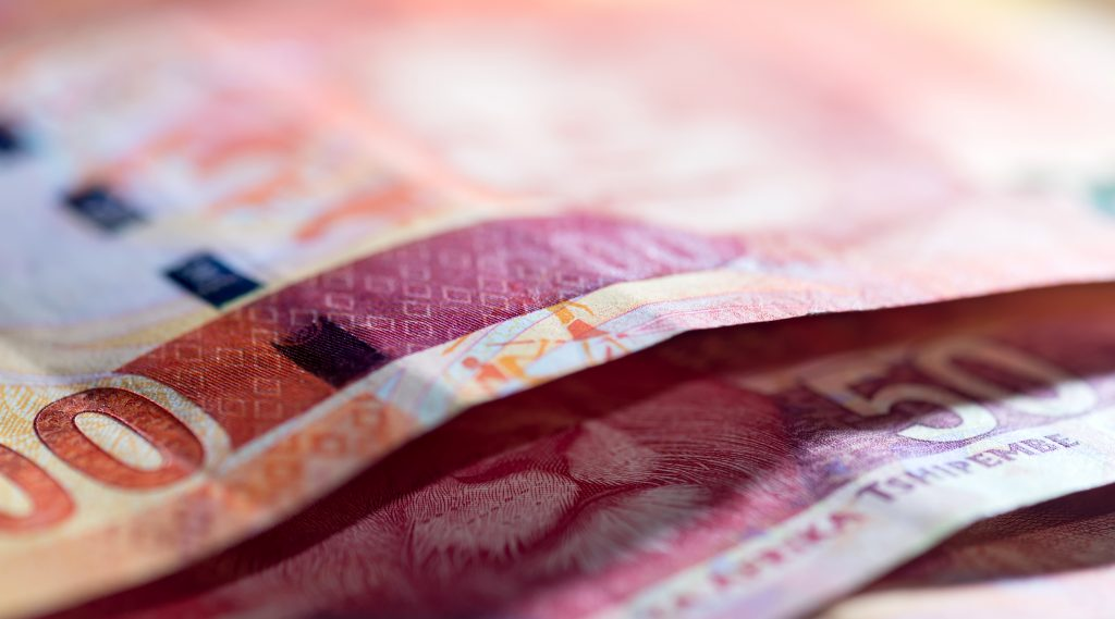 Rand hits new low on bleak economic outlook