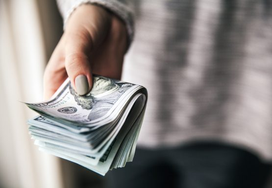 The other 80% of households experienced rising income, with the top quintile of households seeing the highest gains at 5%. Picture: Shutterstock