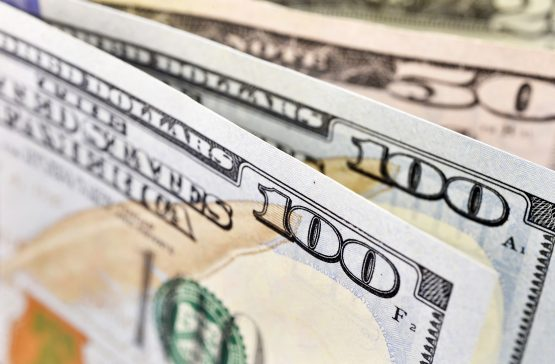Dollar hits 16-month high, yen boosted by risk off sentiment