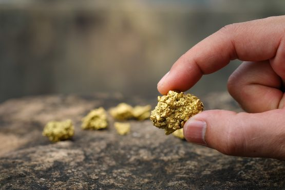 Gold climbs a fourth day as virus fears boost demand for havens. Image: Shutterstock