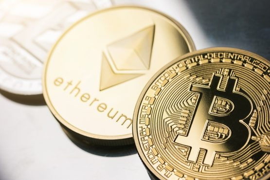 Revix has created an easy-to-use online platform that enables everyday investors to buy an equally-weighted bundle of five cryptocurrencies that support smart contracts. Image: Shutterstock