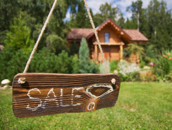 With inflation at current levels, and when factored in, house prices are effectively flat. Image: Shutterstock